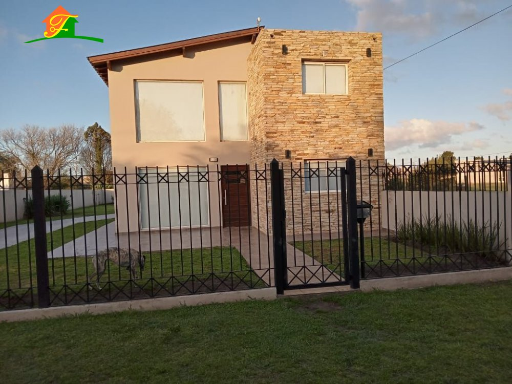 Alquiler temporal de Casa en Parquemar para 6 personas provisto por Falabella Bienes Raices   Verano 2022   Miramar