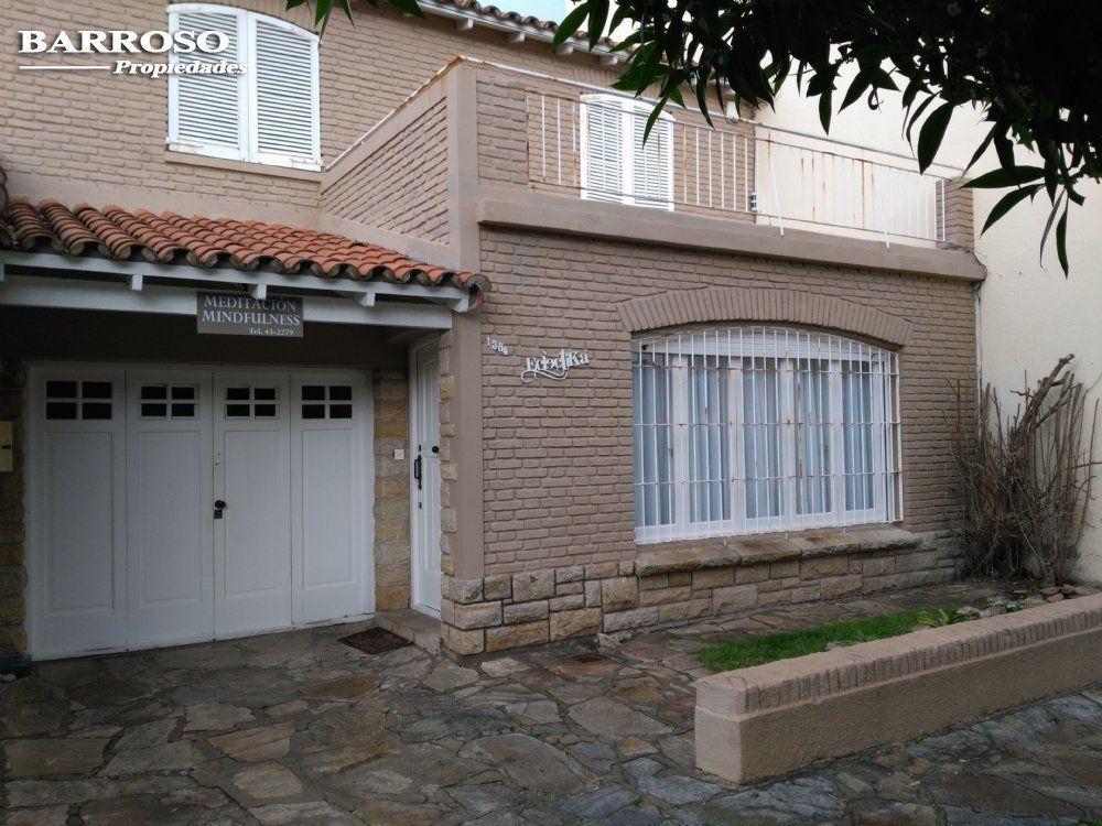 Chalet en Venta Zona V de Miramar. Estado Excelente. 4 Habitaciones. 3 Baños.