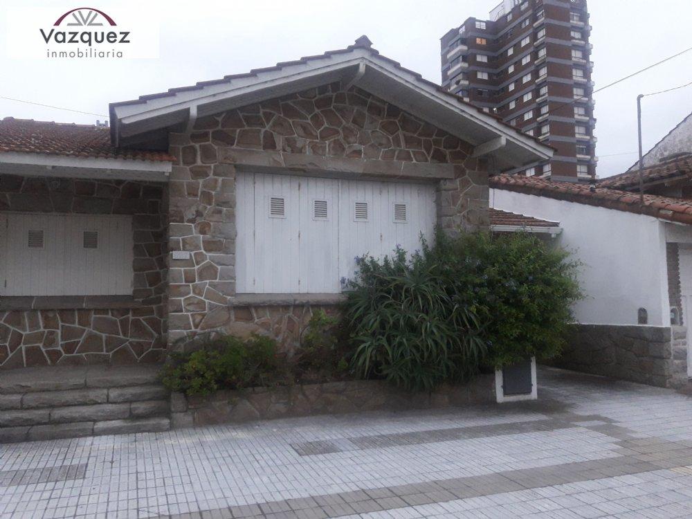 Alquiler temporal de Chalet en Zona I para 8 personas provisto por Vazquez Inmobiliaria | Invierno 2020 | Miramar