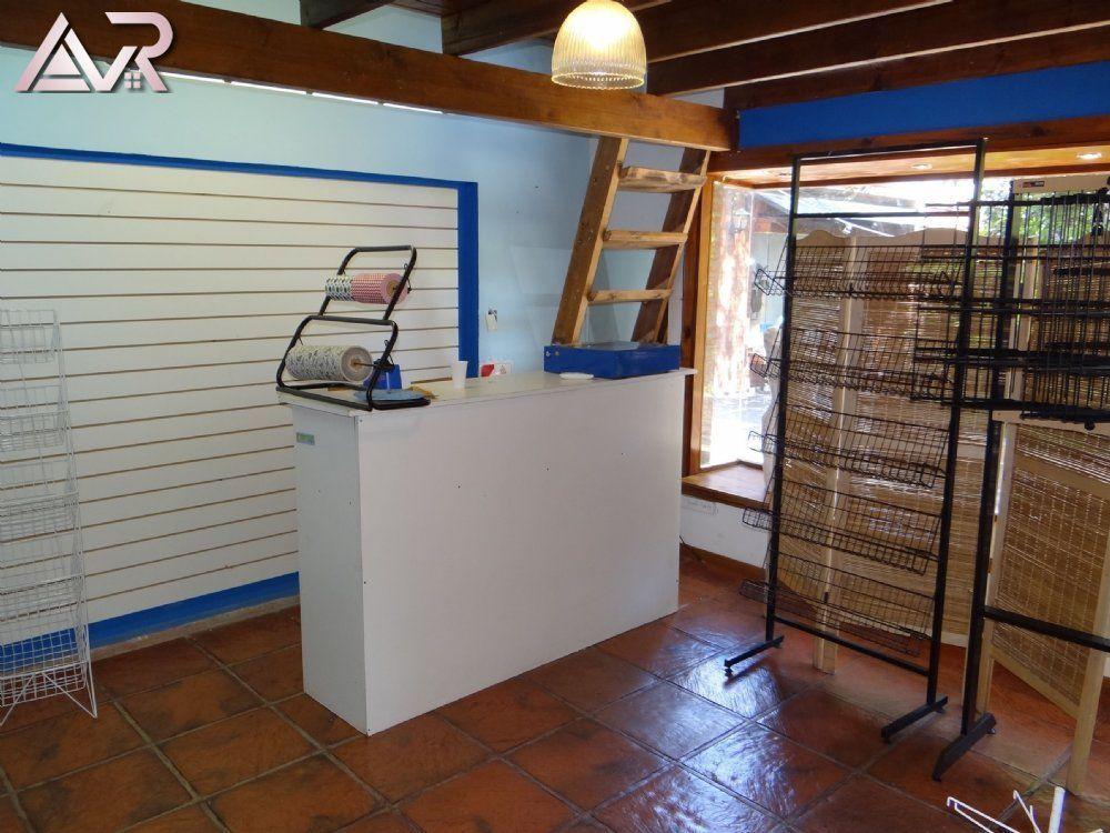 Local en Alquiler en Miramar ofrecido por AVR Estudio Inmobiliario