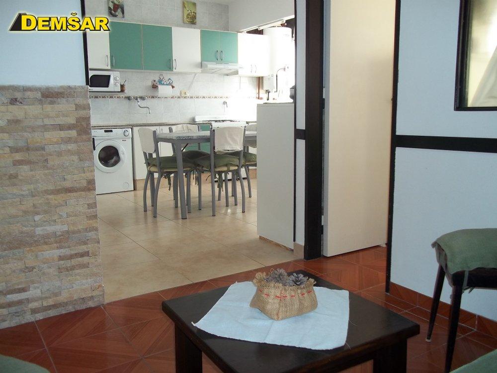 Depto en Alquiler en Miramar ofrecido por Demsar Inmobiliaria
