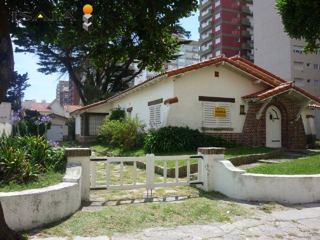 Alquiler temporal de Chalet en Zona I para 9 personas provisto por Isaia Inmobiliaria | Invierno 2020 | Miramar