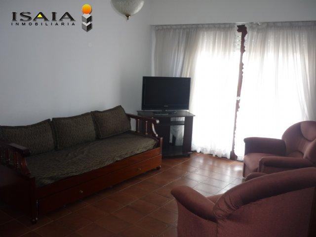 Depto en Alquiler en Miramar ofrecido por Isaia Inmobiliaria